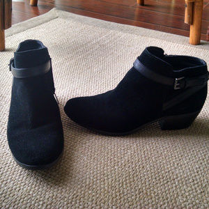 Sam Edelman Black Suede Booties 7.5M